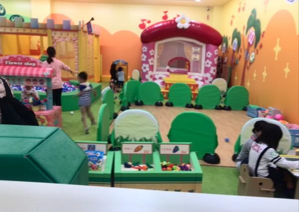 【モーリーファンタジースキッズガーデン桂川店】イオンの中にある室内遊び場/一時保育