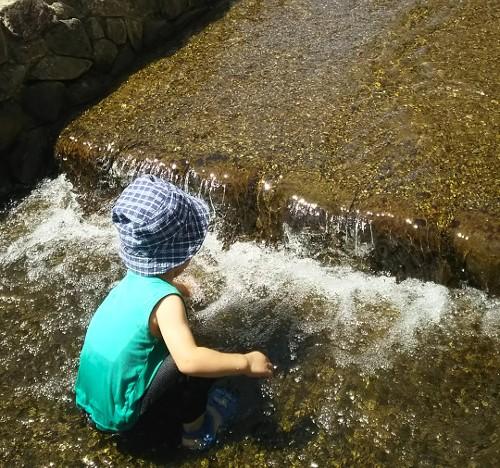 京都市内の水遊びスポット☆堀川のせせらぎ公園で子供を遊ばせよう。幼児でも楽しめる♪