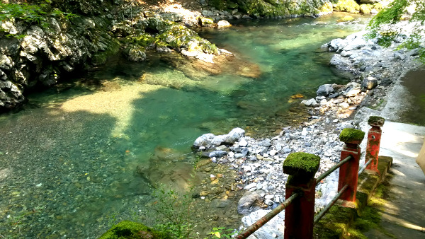 清滝川水遊びポイント