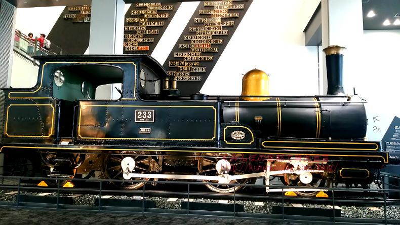京都鉄道博物館を攻略!画像70枚以上。ランチ・駐車場・入場料・子連れ情報など満載。